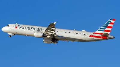 A picture of N190UW - Airbus A321211 - American Airlines - © Conor Clancy