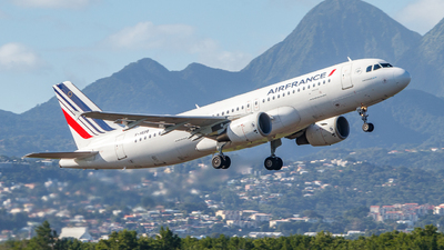 A picture of FHEPB - Airbus A320214 - Air France - © CaptainWil972