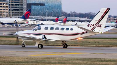 A picture of N441MK - Cessna 441 Conquest - [4410211] - © Stephen J Stein