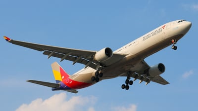 HL8282 - Airbus A330-323 - Asiana Airlines