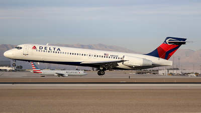 N893AT - Boeing 717-2BD - Delta Air Lines