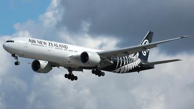 ZK-OKM - Boeing 777-319ER - Air New Zealand