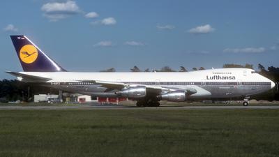 D-ABYZ - Boeing 747-230B(M) - Lufthansa