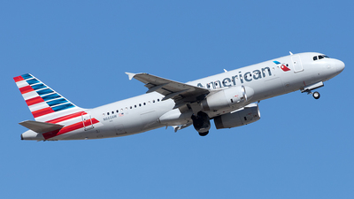 A picture of N660AW - Airbus A320232 - American Airlines - © Yixin Chen