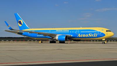UR-VVV - Boeing 767-33A(ER) - AeroSvit Ukrainian Airlines