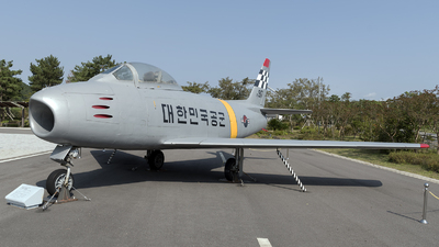 25-917 - North American F-86F Sabre - South Korea - Air Force