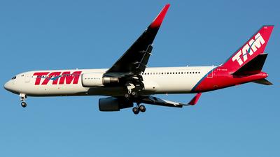 PT-MOE - Boeing 767-316(ER) - TAM Linhas Aéreas