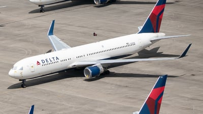 A picture of N185DN - Boeing 767332(ER) - Delta Air Lines - © Erik Goodfellow