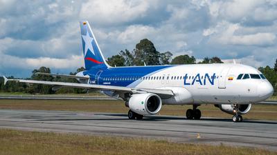 CC-BAN - Airbus A320-214 - LAN Airlines