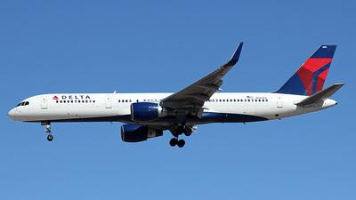 N660DL - Boeing 757-232 - Delta Air Lines