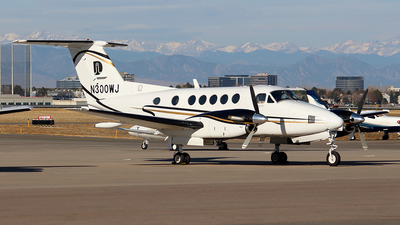 N300WJ - Beechcraft 200 Super King Air - Private