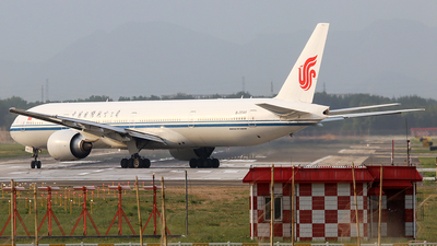 A picture of B2046 - Boeing 77739L(ER) - Air China - © YangZhang