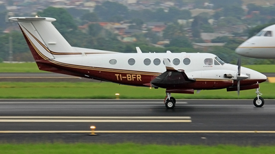 TI-BFR - Beechcraft B200GT Super King Air - Private