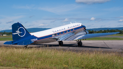 N25641 - Douglas DC-3C - Legend Airways Foundation