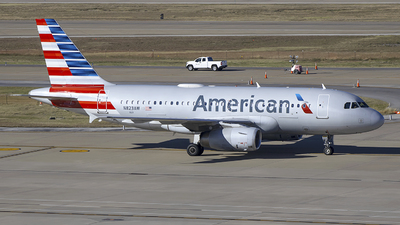 A picture of N823AW - Airbus A319132 - American Airlines - © Andrew Hutnyan