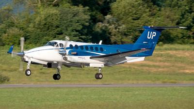 N802UP - Beechcraft B300 King Air 350i - Wheels Up