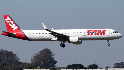 A picture of PTXPH - Airbus A321211 - LATAM Airlines - © Antonio Carlos Carvalho Jr.