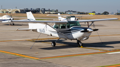 VH-LGI - Cessna 172RG Cutlass RG - Private