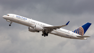 N568UA - Boeing 757-222 - United Airlines