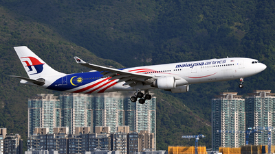 A picture of 9MMTH - Airbus A330323 - Malaysia Airlines - © eyey328