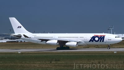 F-GLZF - Airbus A340-212 - AOM French Airlines