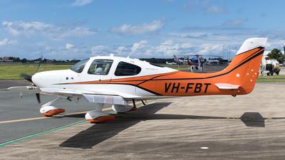 A picture of VHFBT - Cirrus SR22 - [4219] - © Tony Coles