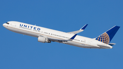 A picture of N643UA - Boeing 767322(ER) - United Airlines - © Sean Brink