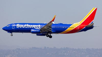 A picture of N8698B - Boeing 7378H4 - Southwest Airlines - © Wes Loeffler