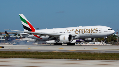 A6-EWF - Boeing 777-21HLR - Emirates