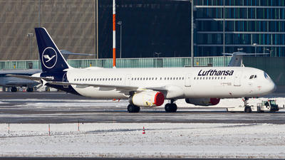 A picture of DAIDK - Airbus A321231 - Lufthansa - © Chr Pe