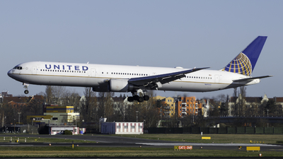 A picture of N69063 - Boeing 767424(ER) - United Airlines - © Theo Möhle