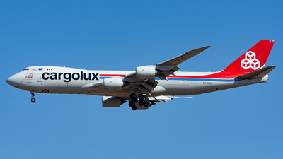 A picture of LXVCJ - Boeing 7478R7(F) - Cargolux - © Welsh_P