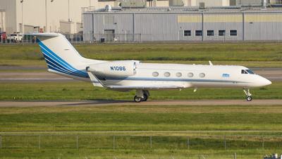 N1086 - Gulfstream G-IV - Private
