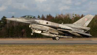 4053 - Lockheed Martin F-16C Fighting Falcon - Poland - Air Force
