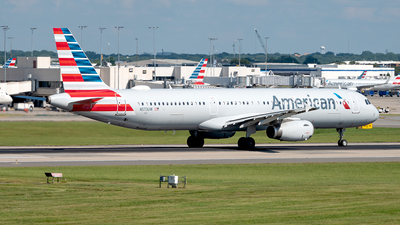 A picture of N573UW - Airbus A321231 - American Airlines - © Yan777
