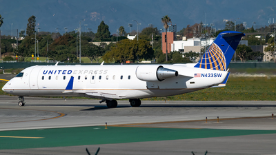 N423SW - Bombardier CRJ-200LR - United Express (SkyWest Airlines)