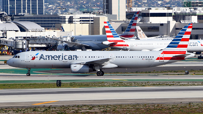 A picture of N554UW - Airbus A321231 - American Airlines - © Rocky Wang
