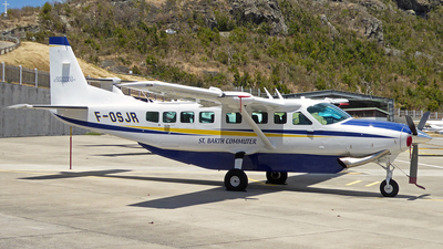F-OSJR - Cessna 208B Grand Caravan - St Barth Commuter