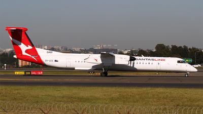 A picture of VHQOE - De Havilland Canada Dash 8400 - QantasLink - © M.T