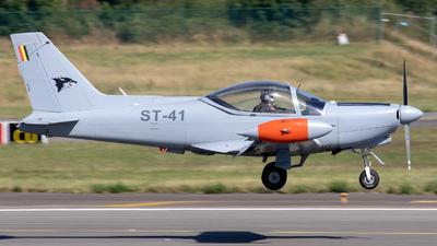 ST-41 - SIAI-Marchetti SF260D - Belgium - Air Force