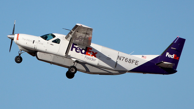 N768FE - Cessna 208B Super Cargomaster - FedEx Feeder (West Air)