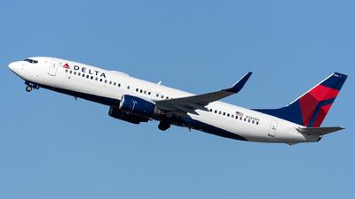A picture of N385DN - Boeing 737832 - Delta Air Lines - © OCFLT_OMGcat