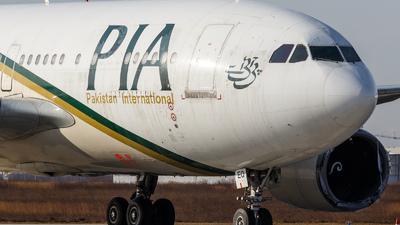 AP-BEQ - Airbus A310-308 - Pakistan International Airlines (PIA)