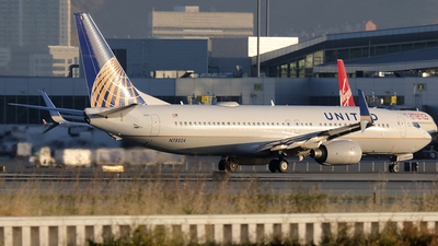 N78524 - Boeing 737-824 - United Airlines
