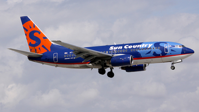 N712SY - Boeing 737-7Q8 - Sun Country Airlines