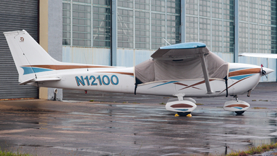 N12100 - Cessna 172M Skyhawk - Private