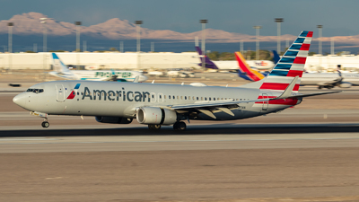 A picture of N985NN - Boeing 737823 - American Airlines - © Hiro