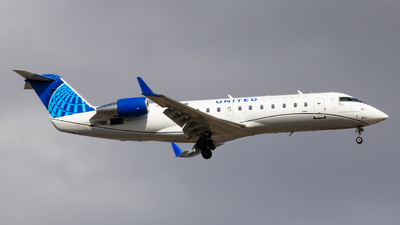 A picture of N953SW - Mitsubishi CRJ200LR - United Airlines - © Sean Asay