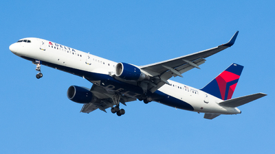 N900PC - Boeing 757-26D - Delta Air Lines