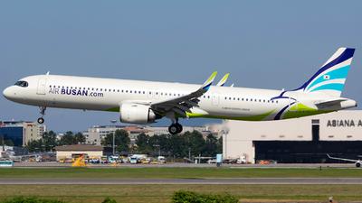 HL8395 - Airbus A321-251NX - Air Busan